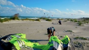 321 Kiteboarding beach